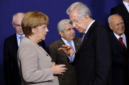 El primer ministro Monti y la canciller Merkel, la semana pasada en Bruselas.
