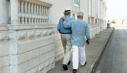 Dos de los grandes protagonistas del Hay Festival en Cartagena, durante un paseo.