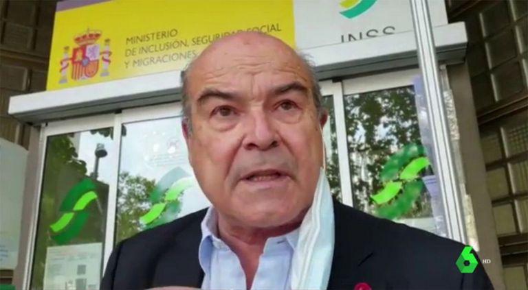 El actor Antonio Resines ha denunciado la pésima atención ante una oficina de la Seguridad Social