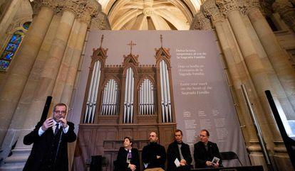 Faulí presenta la campaña de micromecenazgo para restaurar un órgano del siglo XIX para la cripta de la Sagrada Familia, donde está enterrado Gaudí.