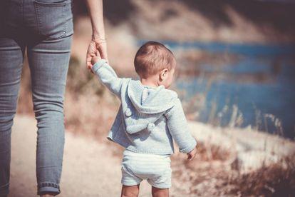 El estudio destaca la dificultad universal a la que se enfrentan muchos jóvenes para equilibrar sus aspiraciones profesionales con la reproducción.