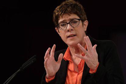 La presidenta de la CDU alemana, Annegret Kramp-Karrenbauer, esta semana durante una intervención en Demmin, al norte de Alemania.