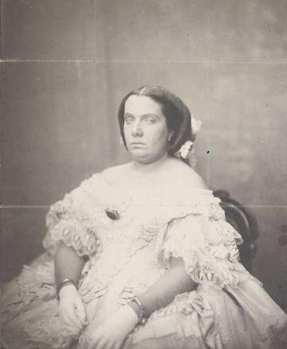 Isabel II (hacia 1860).