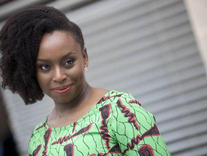 La escritora y ensayista nigeriana Chimamanda Ngozi Adichie.