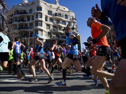 Corredores de la maratón de Barcelona en la edición del pasado año.