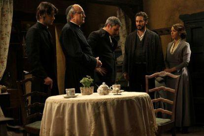 Protagonistas de la serie de Antena 3 'El secreto de Puente Viejo'.