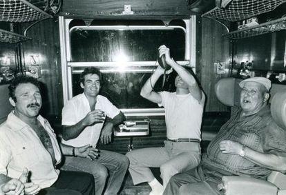 Temporeros de la vendimia, en un viaje nocturno en los años ochenta.