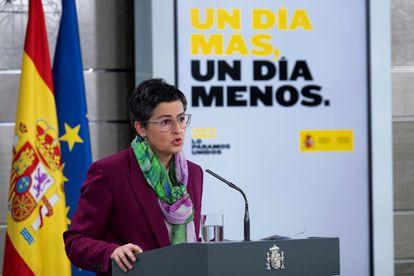 Fotografía facilitada por La Moncloa de la ministra de Asuntos Exteriores Arancha González Laya, durante la rueda de prensa ofrecida este viernes en Madrid.