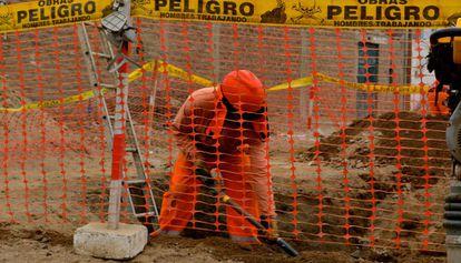 Obras públicas a las afueras de Lima.