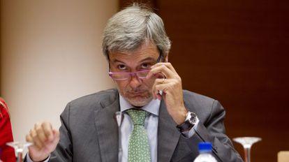El secretario autonómico de Cultura y Deporte, Rafael Ripoll, en las Cortes.