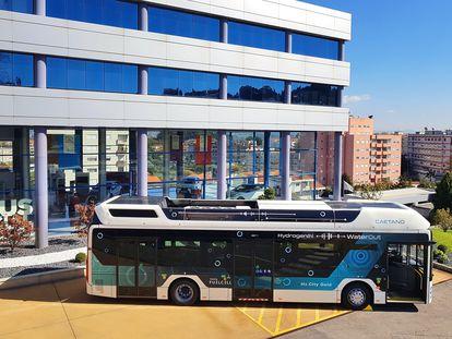Autobús de hidrógeno desarrollado por Toyota.