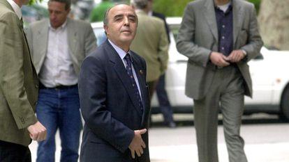 El ex general de la Guardia Civil Enrique Rodríguez Galindo a su llegada en mayo de 2000 a la Audiencia Nacional, donde se le comunicó su ingreso en prisión para cumplir su condena por el 'caso Lasa y Zabala'.