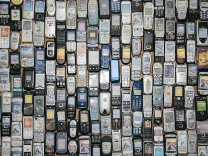 ¿Guarda su primer móvil? Usted tiene síndrome de Diógenes electrónico