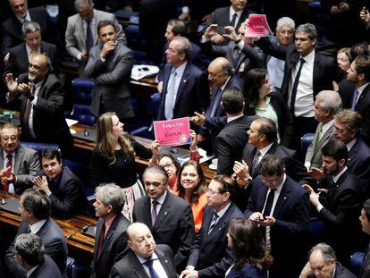 Imagen del Senado de Brasil, donde predomina una mayoría de hombres sobre una minoría de mujeres.