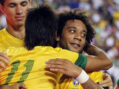 Marcelo y Neymar, en un partido con su selección