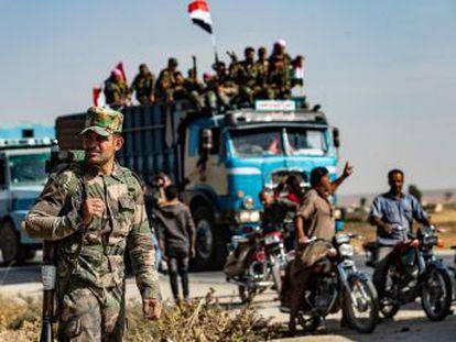 La retirada de las tropas estadounidenses ha provocado una nueva metamorfosis del conflicto sirio. Los enviados de EL PAÍS relatan desde Qamishli y Ceylanpinar el impacto local del pulso