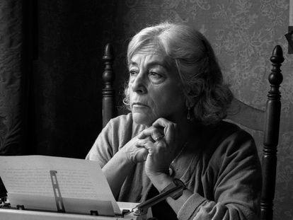 Carmen Martín Gaite, en una imagen del documental de 'Imprescindibles'.