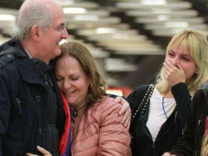 El exalcalde de Caracas huye de su arresto domiciliario y llega a España a través de Colombia. Este sábado ha sido recibido por Rajoy