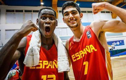Garuba y Aldama, en 2019, tras proclamarse campeones de Europa sub18. fiba