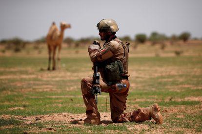 Un soldado francés de la Operación Barkhane durante una misión de control en Ndaki, Malí, el 27 de julio de 2019.