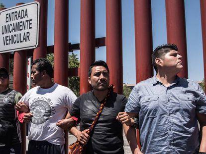 Miembros de la CNTE bloquean acceso al Congreso.