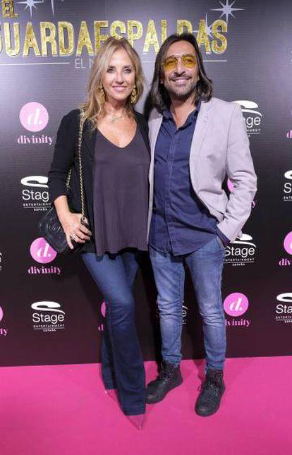 Mariola Orellana y Antonio Carmona en el estreno del musical 'El Guardaespaldas' el pasado 28 de septiembre en Madrid.