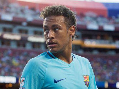 Neymar, durante el duelo ante el Manchester United.
