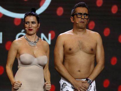 Silvia Abril y Andreu Buenafuente, durante la gala de entrega de los premios Goya 2019. En vídeo, anuncio de la gala de 2020.