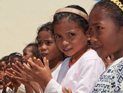 La población actual de Madagascar es una mezcla afroindonesia
