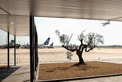 Terminal de salidas del aeropuerto de Reus, cuyas obras de  reforma fueron  inauguradas ayer.