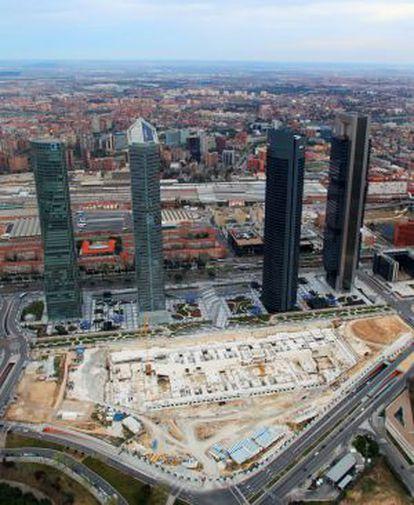 Vista aérea de las Cuatro Torres y el solar del Centro Internacional de Convenciones.