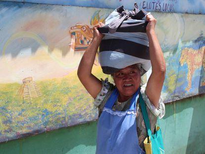 Mujer trabajadora en El Salvador.