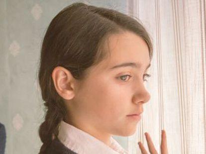 Pilar Palomero debuta con un drama protagonizado por una niña de madre soltera que busca su lugar en un colegio religioso