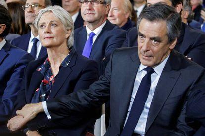 Fillon y su esposa el domingo en París.