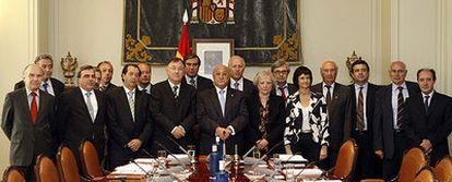 El Consejo General del Poder Judicial saliente, ayer en la foto de despedida.