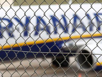 Un avión de Ryanair en el aeropuerto alemán de Weeze.