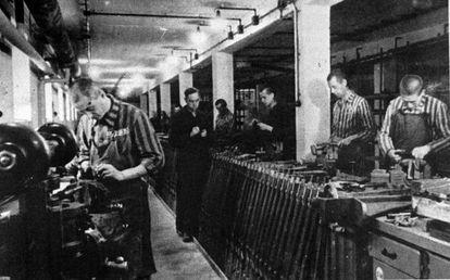 Fábrica de armamento nazi en el campo de concentración de Dachau, donde trabajaban judíos.