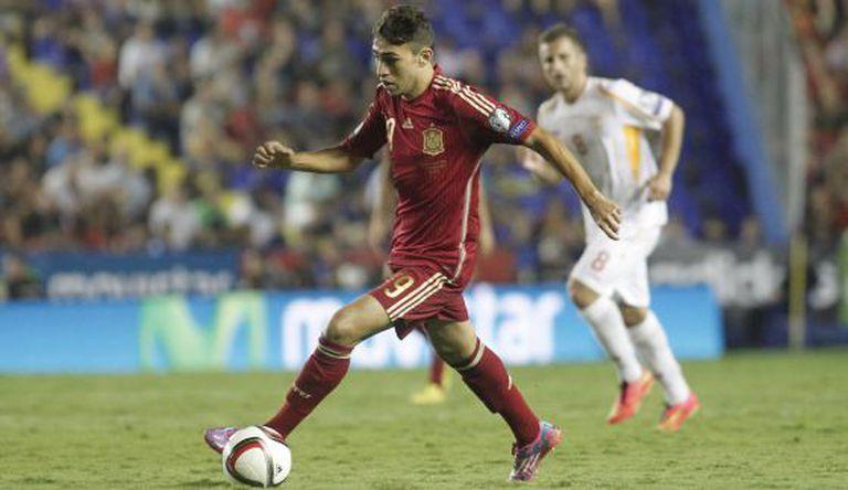Munir en su debut con España contra Macedonia en 2014.