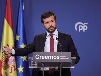 El presidente del PP, Pablo Casado, durante la rueda de prensa en la sede de su partido este jueves en Madrid.