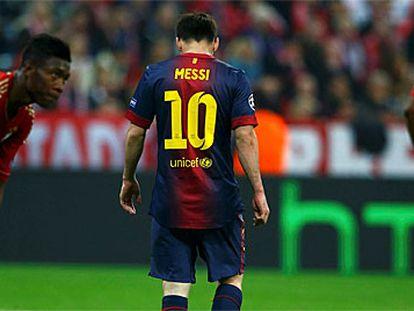 Messi, cabizbajo durante el duelo en Múnich.