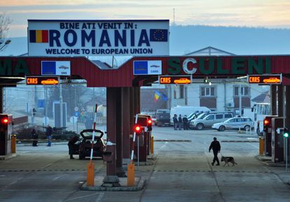 Paso fronterizo de Sculeni, entre Rumanía y Moldavia, en enero pasado.