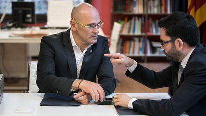 Romeva se reúne con el secretario de exteriores saliente, Roger Albinana