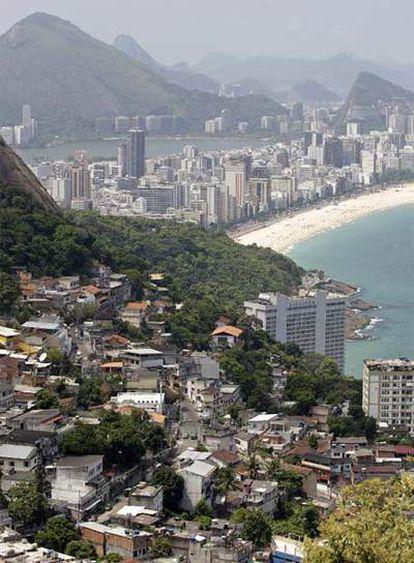 Vista de la favela de Vidigal, que está previsto rodear con un muro.