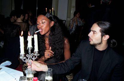 Naomi Campbell y Joaquín Cortés en una fiesta en Londres en 1997.
