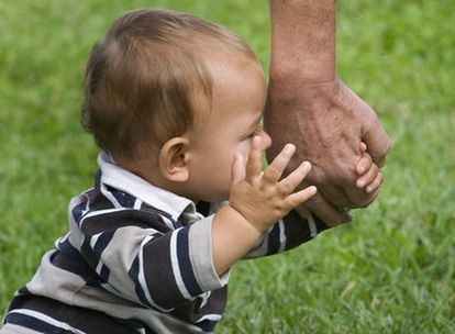 El 72% de los mayores de 65 años cuida o ha cuidado de sus nietos. Uno de cada 10 lo hace diariamente.