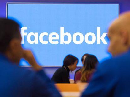 Facebook es la mayor red social, con casi 2.000 millones de usuarios activos al mes.
