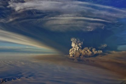 El volcán islandés Grismvoetn ha dejado de expulsar ceniza a la atmósfera, ha informado hoy la Oficina Meteorológica de Islandia.