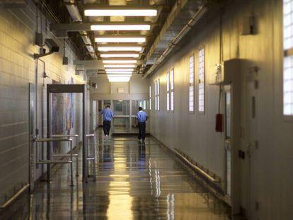 Galería en un centro penitenciario en Filadelfia, Pensilvania