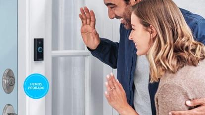 Estos videoporteros inteligentes se pueden instalar en lugar de la mirilla o el timbre de la puerta principal de casa.
