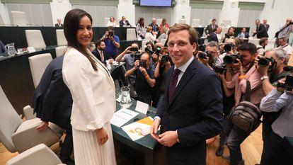 Begoña Villacís felicita a José Luis Martínez Almeida, elegido alcalde de Madrid.
